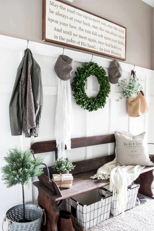 Catchy farmhouse rustic entryway decor ideas (50)