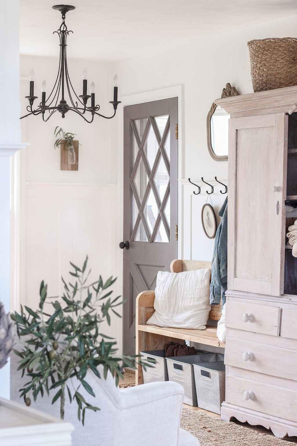 Catchy farmhouse rustic entryway decor ideas (56)
