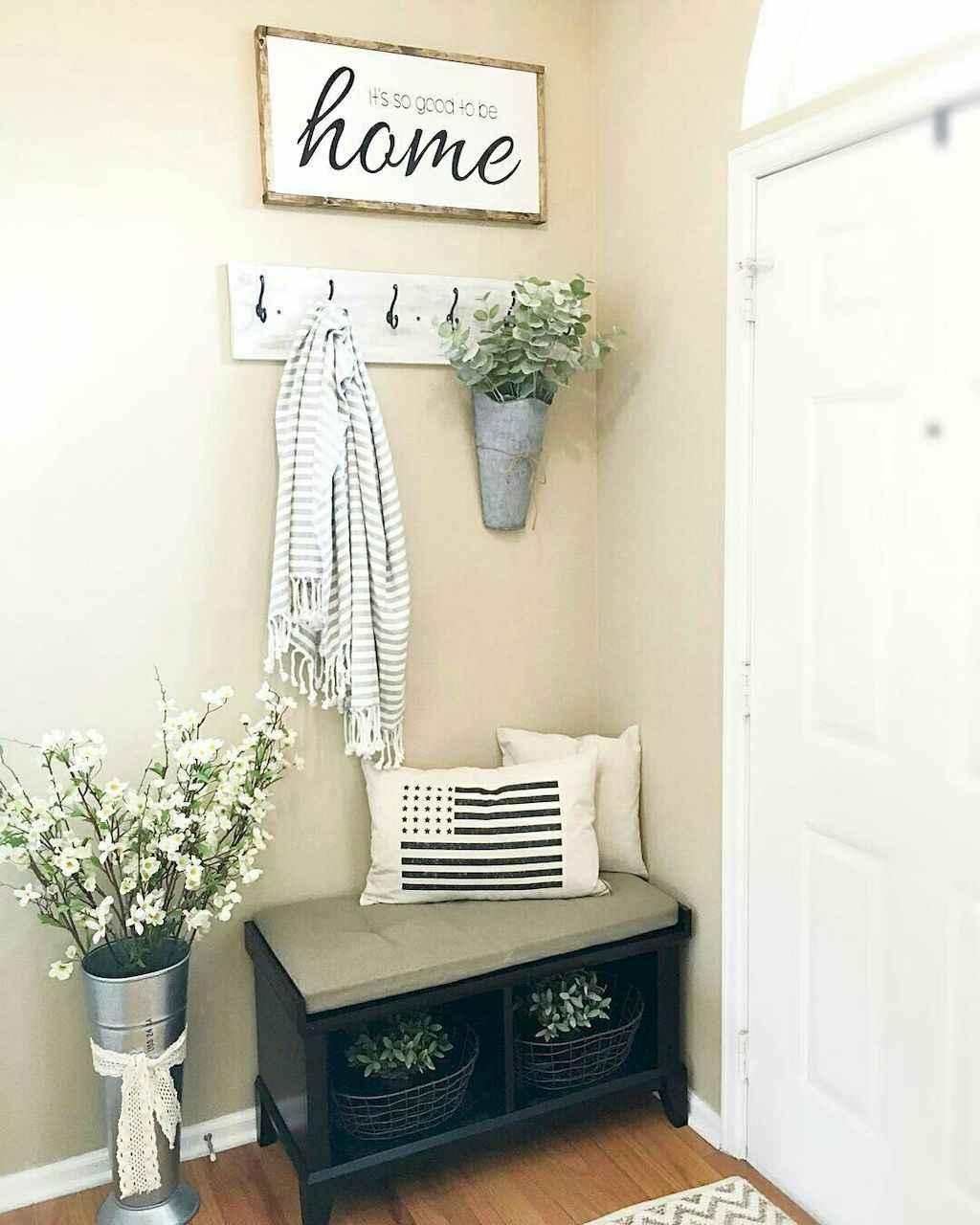 Catchy farmhouse rustic entryway decor ideas (62)