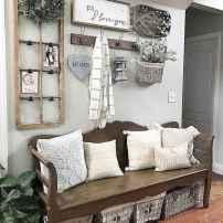 Catchy farmhouse rustic entryway decor ideas (63)