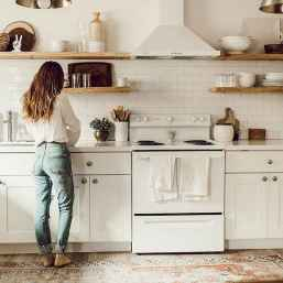 Clever small kitchen remodel and open shelves ideas (33)