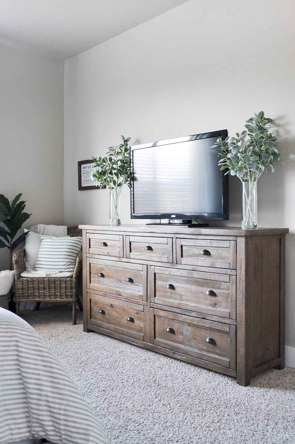 Couples first apartment decorating ideas (41)