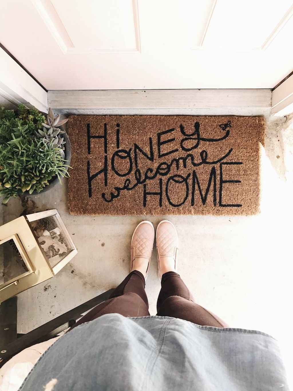 Couples first apartment decorating ideas (97)
