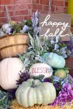 Creative diy fall porch decorating ideas (31)
