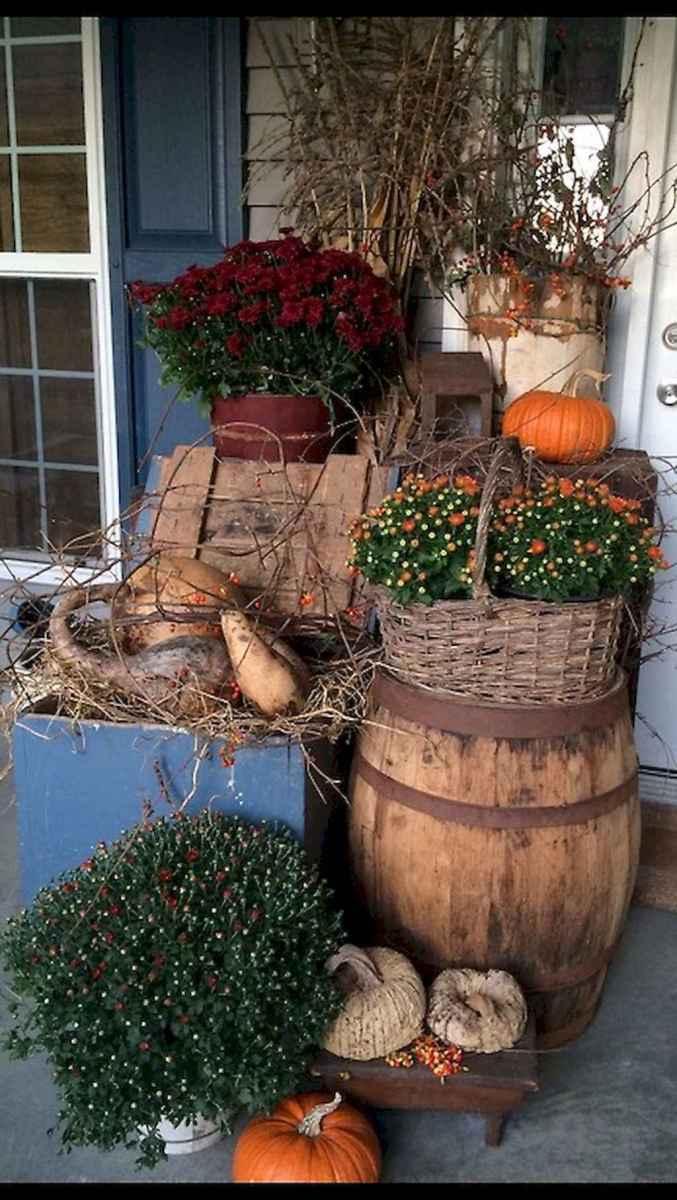 Creative diy fall porch decorating ideas (46)
