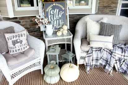 Diy farmhouse fall decorating ideas (9)