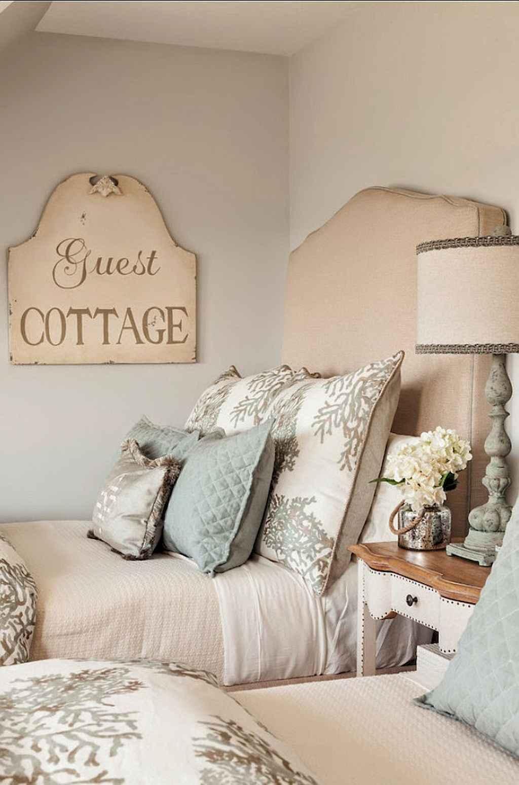 Perfect coastal beach bedroom decoration ideas (18)