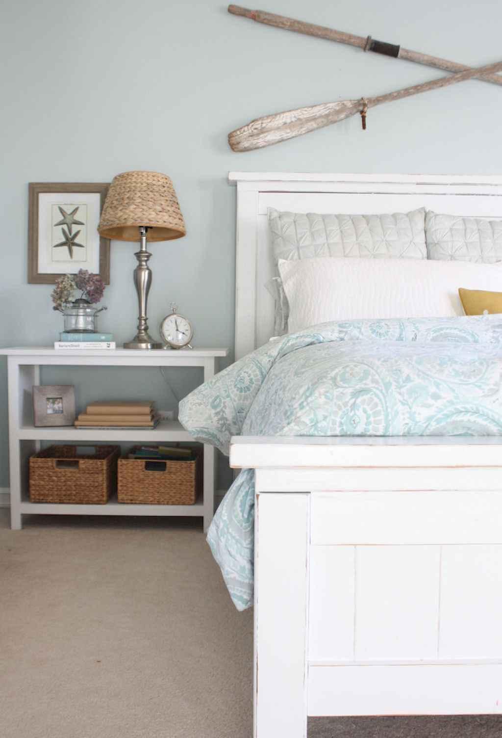 Perfect coastal beach bedroom decoration ideas (45)