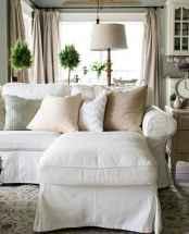Simple clean vintage living room decorating ideas (23)