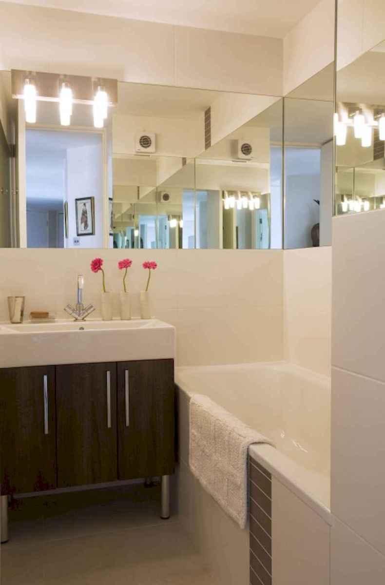 Small bathroom remodel ideas with bathub (18)
