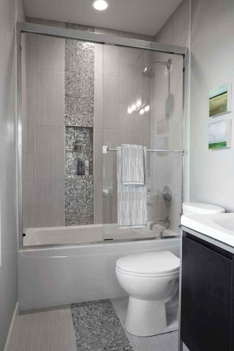 Small bathroom remodel ideas with bathub (39)
