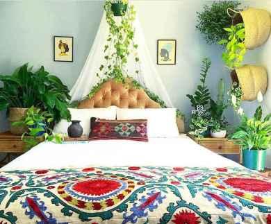Warm and cozy bohemian master bedroom decor ideas (1)