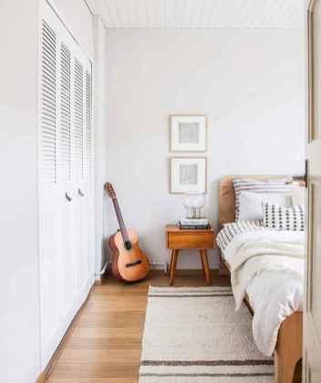 Warm and cozy bohemian master bedroom decor ideas (15)
