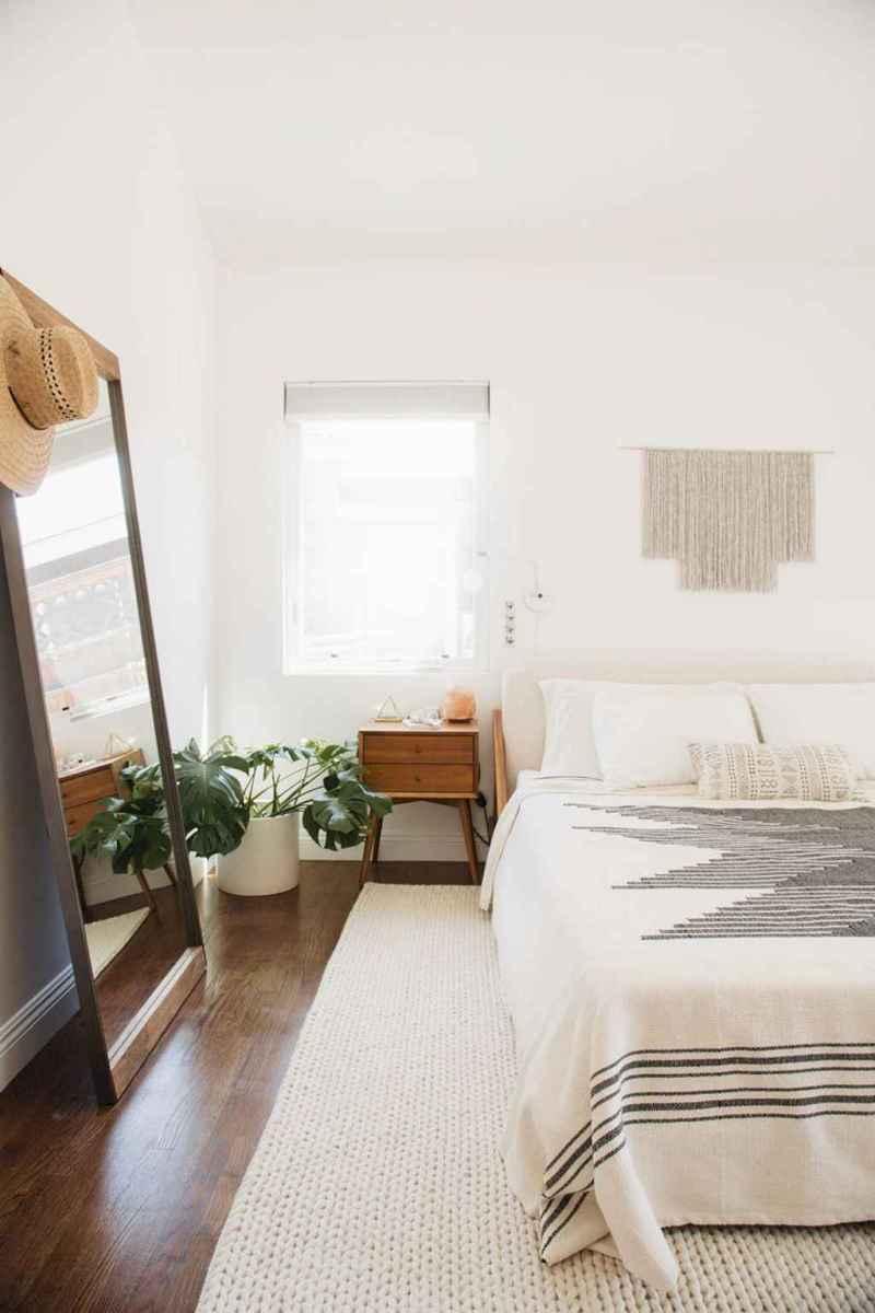 Warm And Cozy Bohemian Master Bedroom Decor Ideas 47