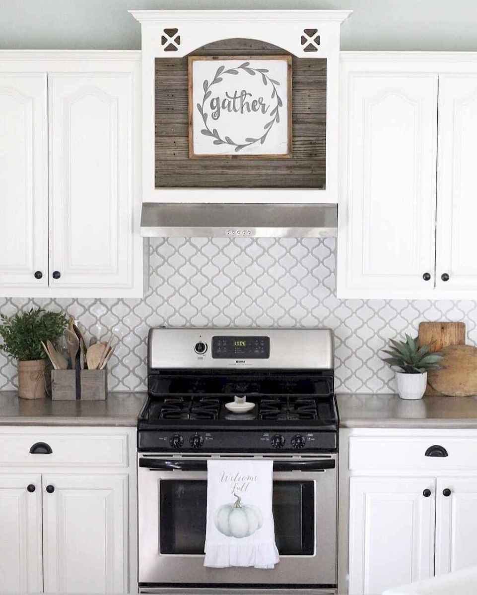 Beautiful kitchen remodel backsplash tile ideas (83)