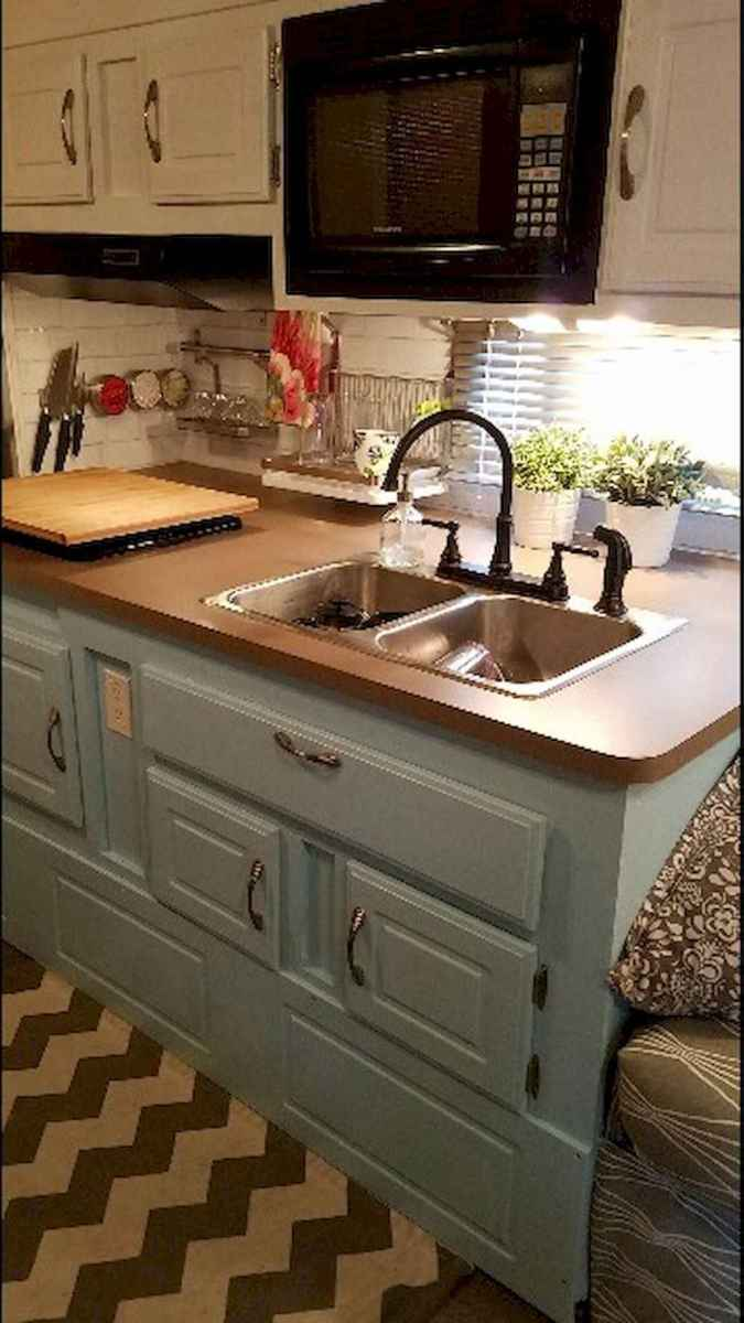 Best travel trailers remodel for rv living ideas (16)