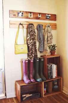 Farmhouse entryway mudroom ideas (26)