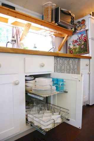 Full time rv living tips and tricks camper organization (50)