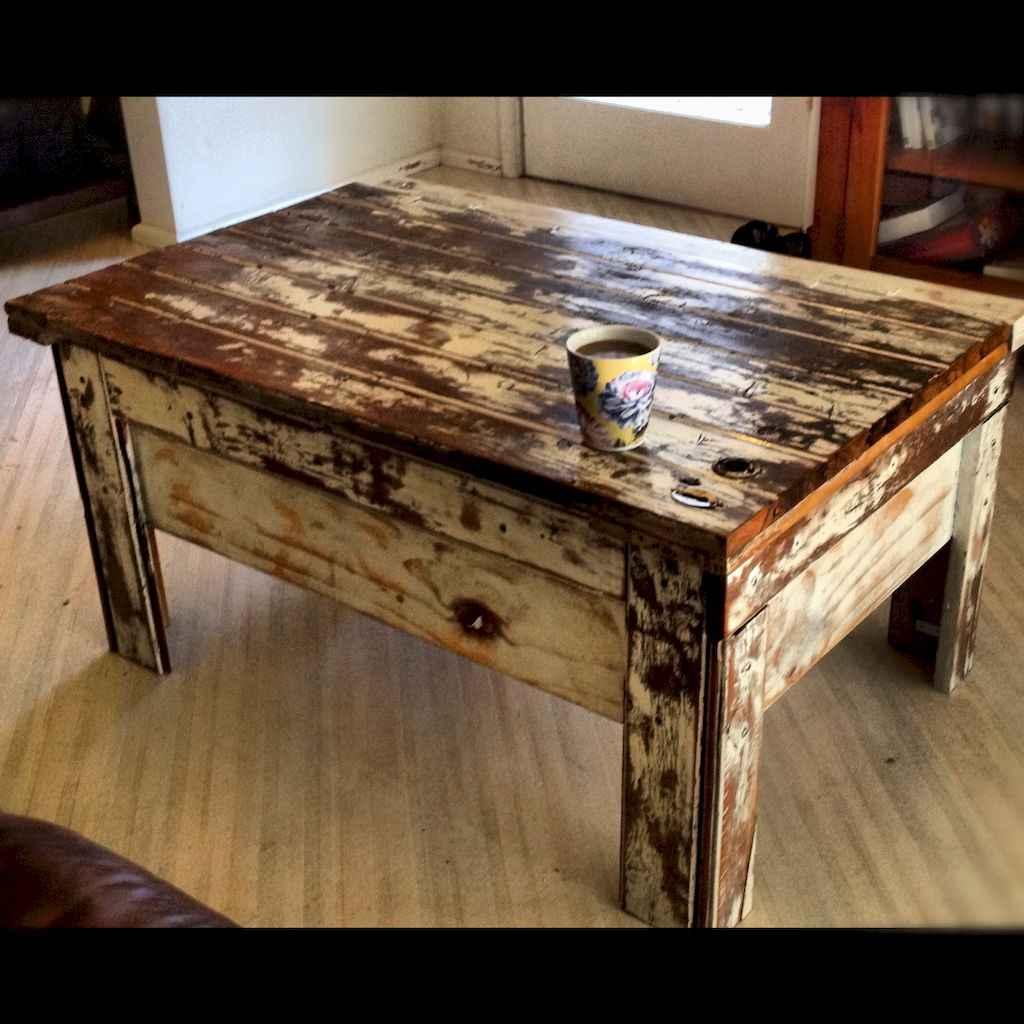 Rustic farmhouse coffee table ideas (21)