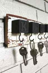 Rustic key holder organized ideas (5)