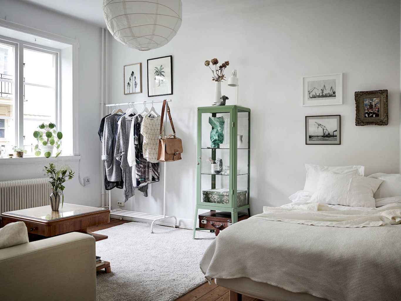 Small apartment studio decorating ideas on a budget (28)