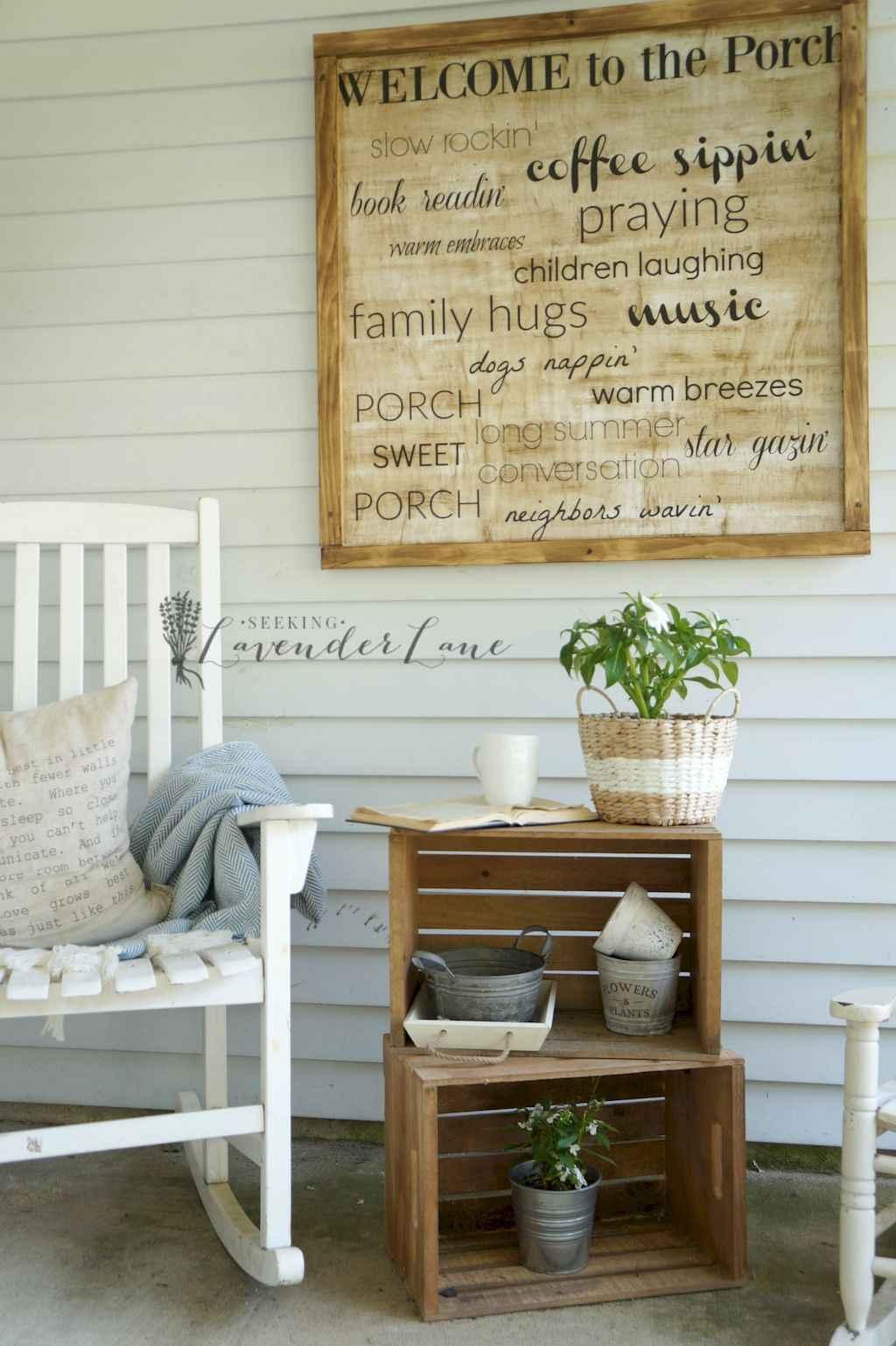 Vintage farmhouse porch ideas (12)