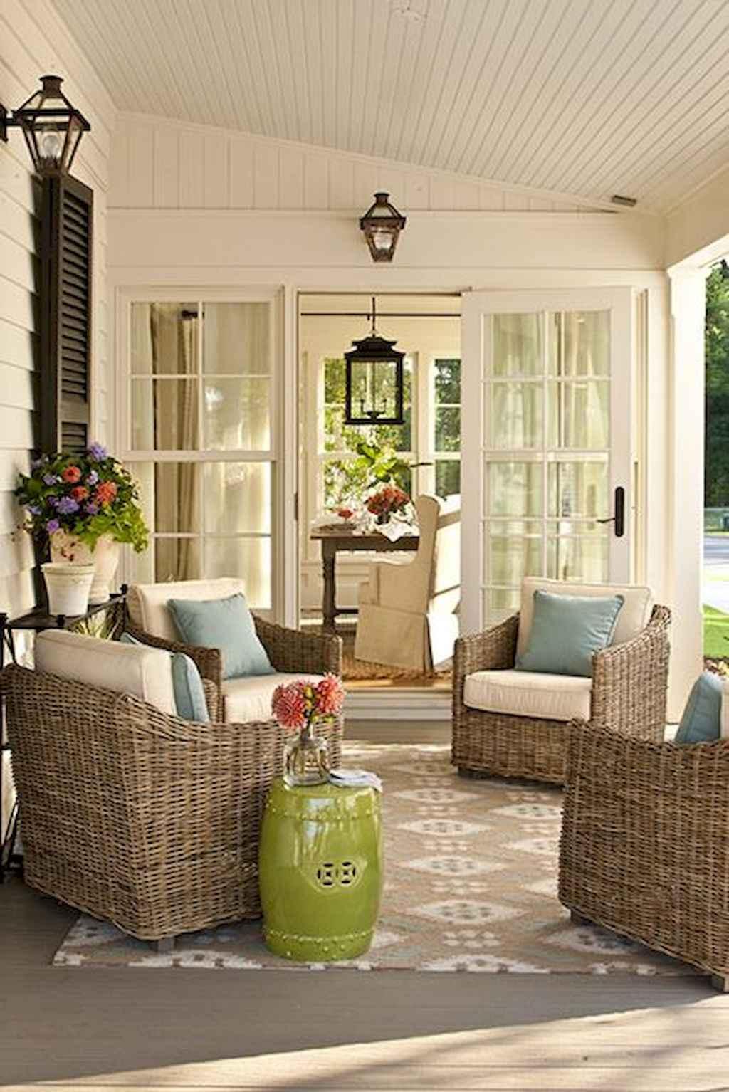 Vintage farmhouse porch ideas (40)