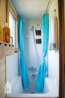 Amazing tiny house bathroom shower ideas (34)