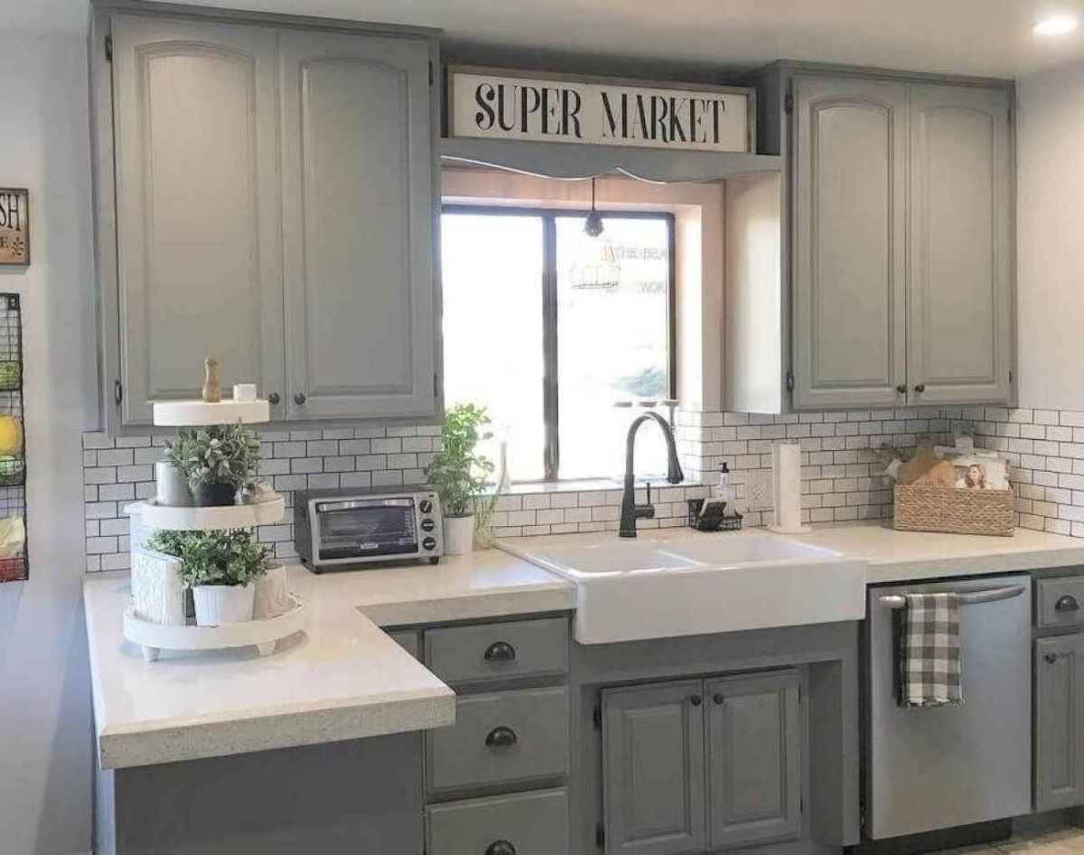 Best Rustic Farmhouse Kitchen Cabinet Makeover Ideas 55