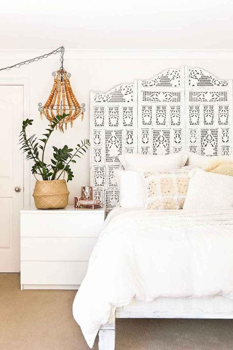Bohemian style modern bedroom ideas (18)