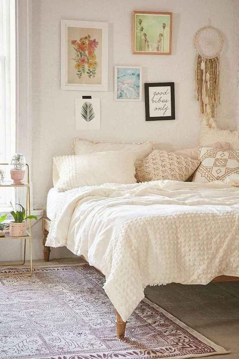 Bohemian style modern bedroom ideas (76)