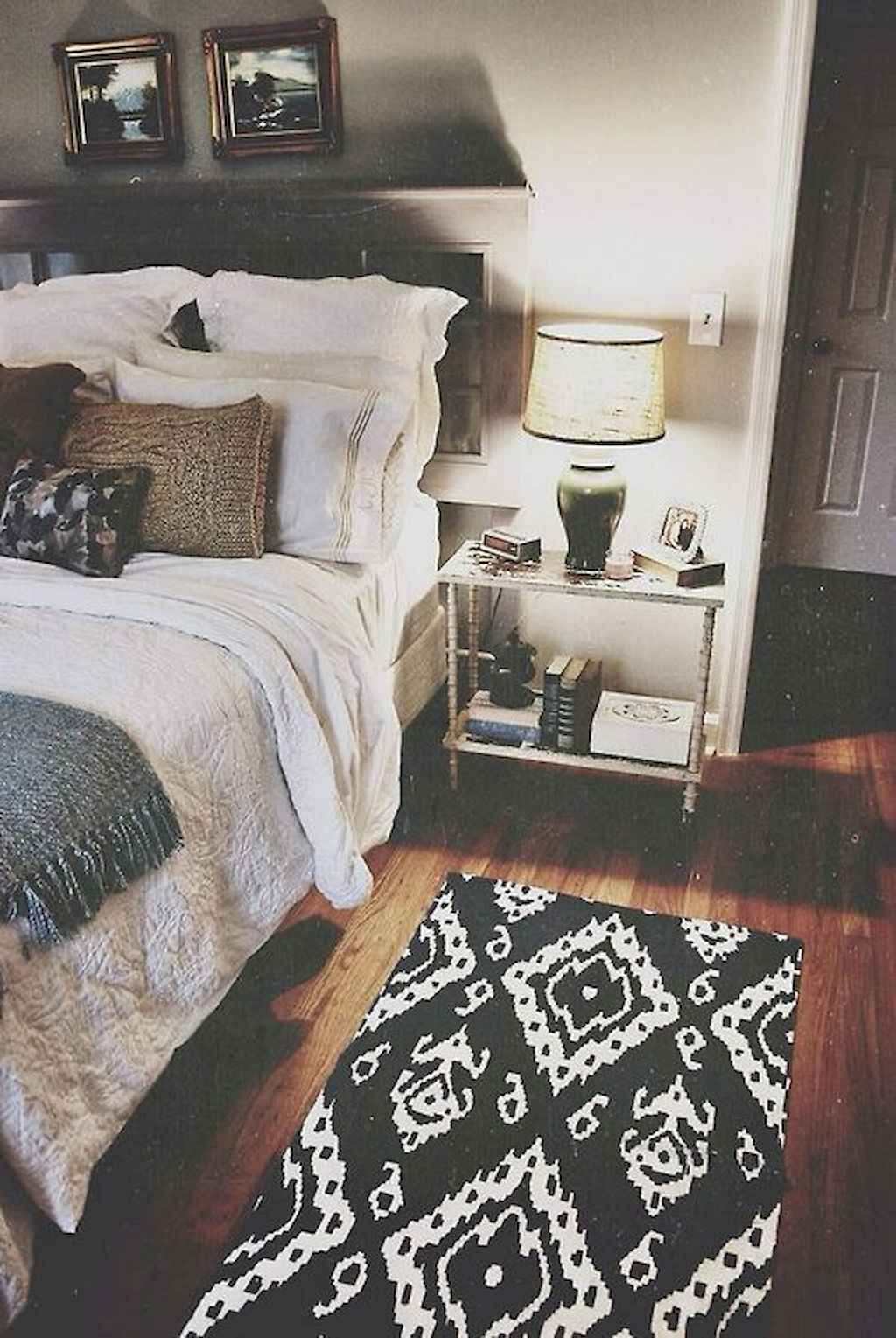Cozy apartment decorating ideas on a budget (55)