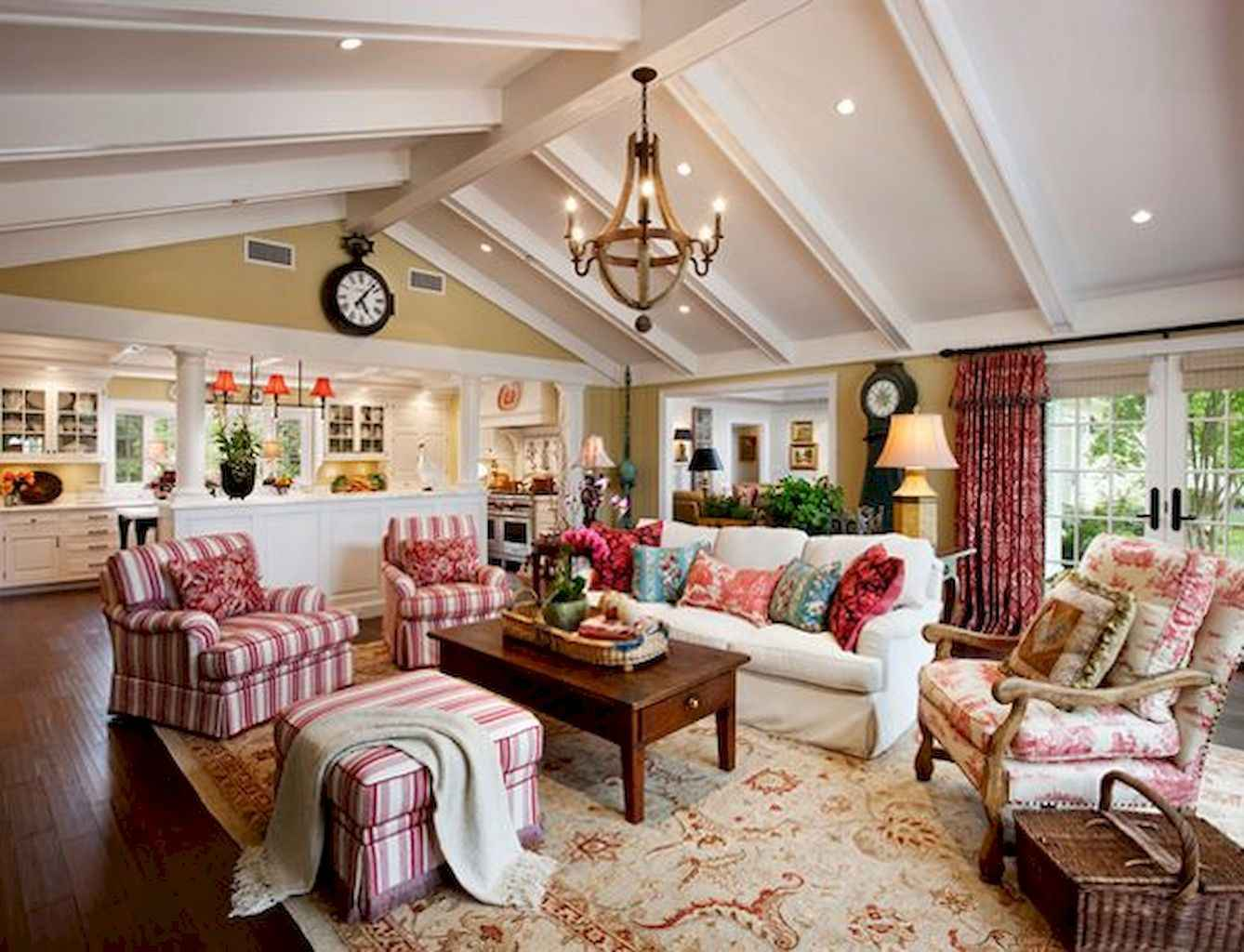 Fancy French Country Living Room Decor Ideas (76)