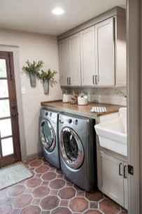 Modern farmhouse laundry room ideas (25)