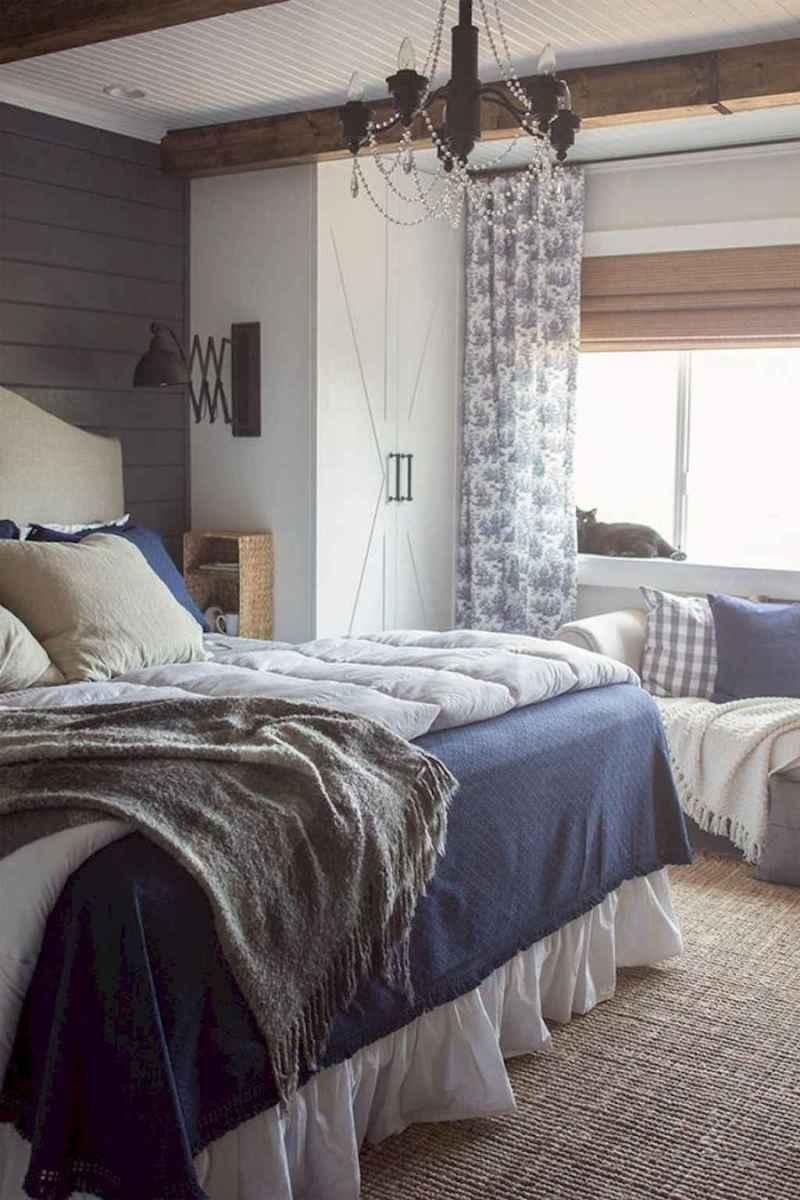 Modern farmhouse style master bedroom ideas (42)