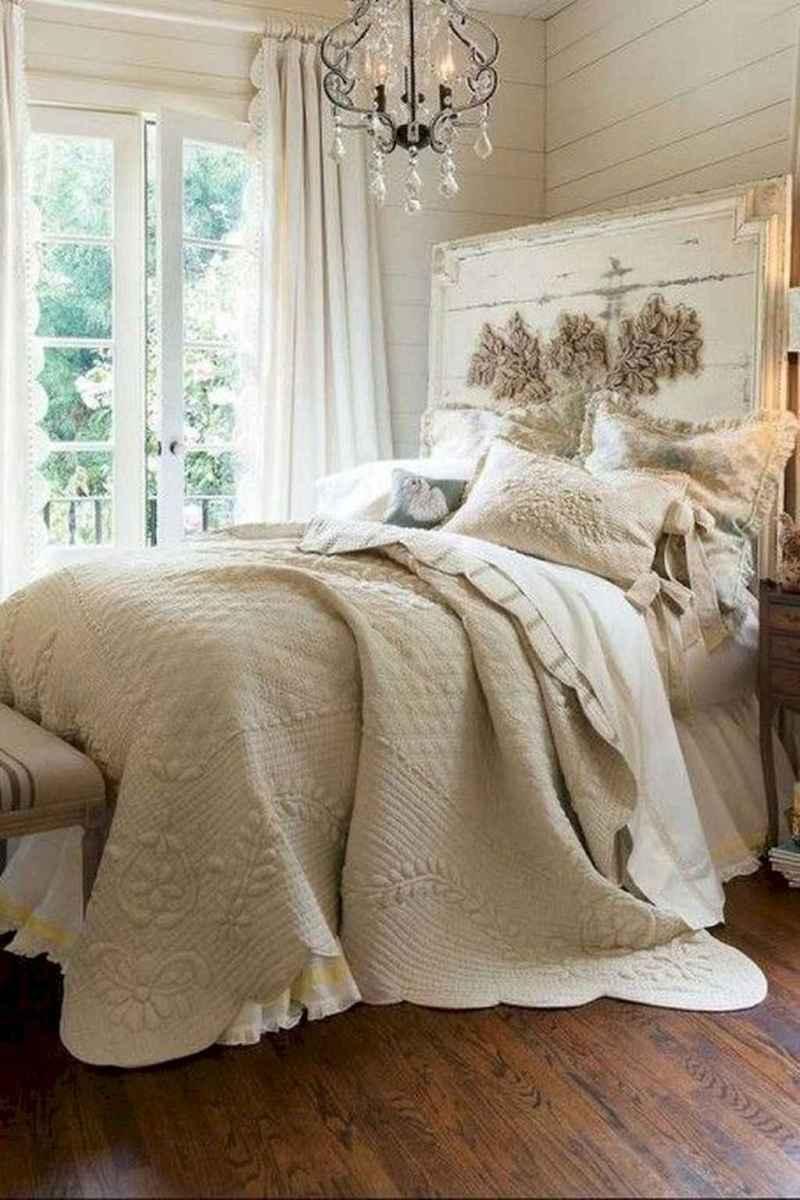 Modern farmhouse style master bedroom ideas (59)