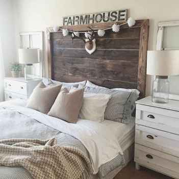Modern farmhouse style master bedroom ideas (82)