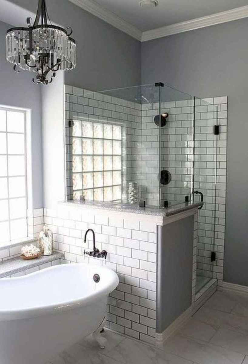 Rustic farmhouse master bathroom remodel ideas (34)