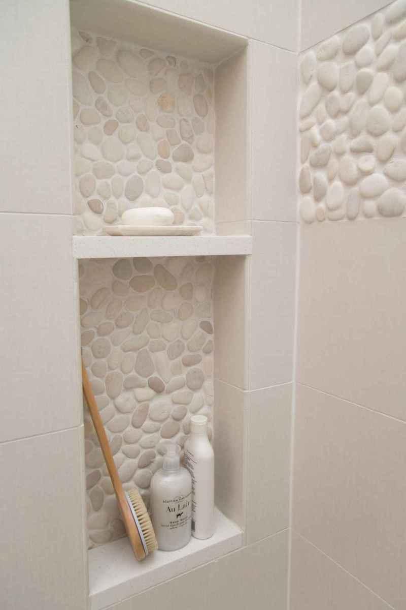 Rustic farmhouse master bathroom remodel ideas (35)