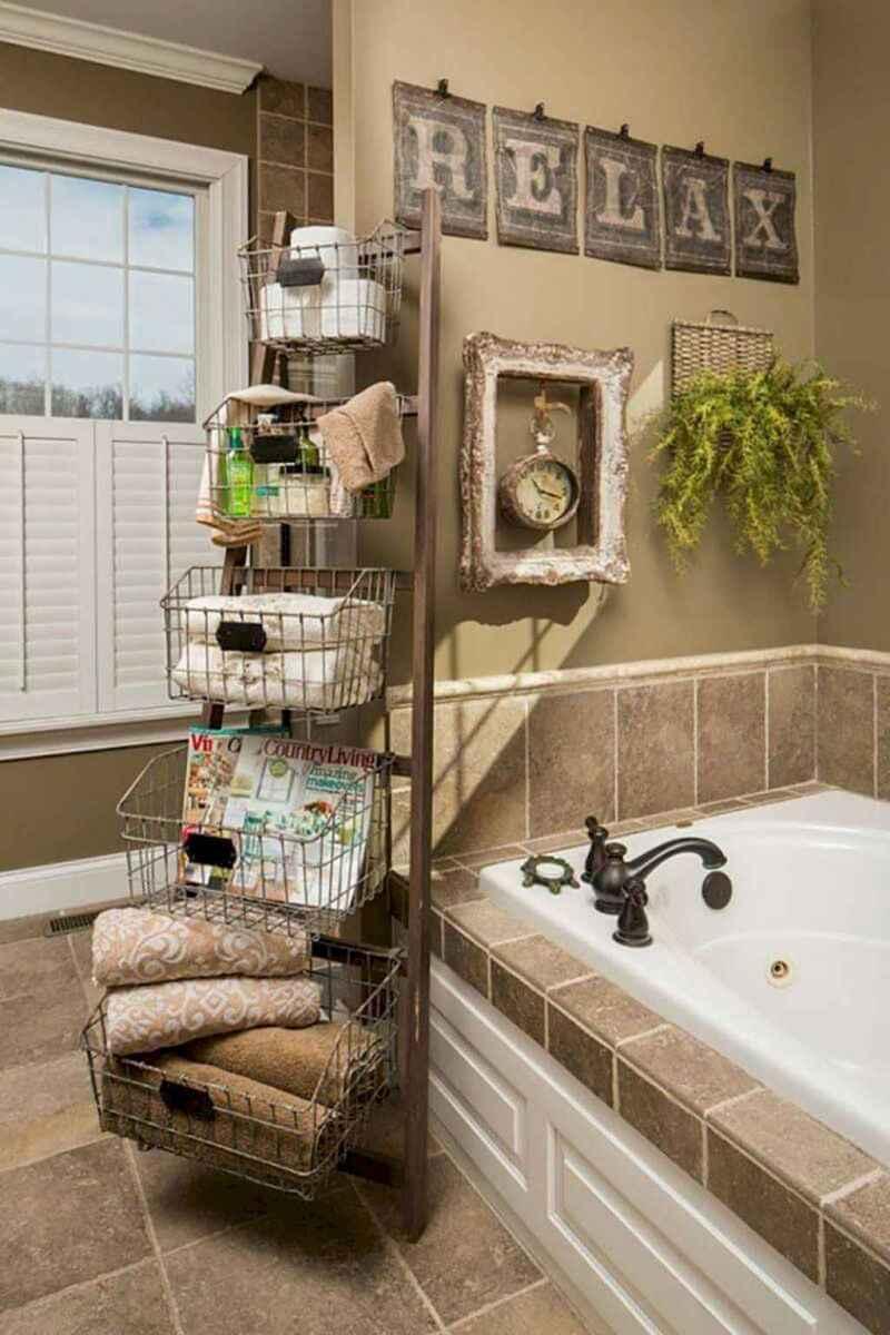 Rustic farmhouse master bathroom remodel ideas (36)
