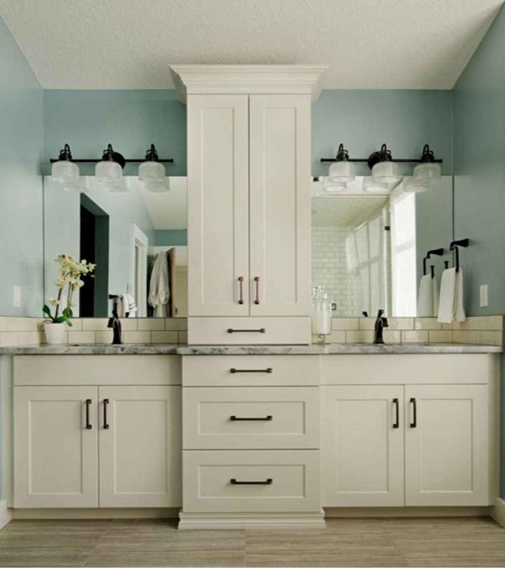 Rustic farmhouse master bathroom remodel ideas (43)