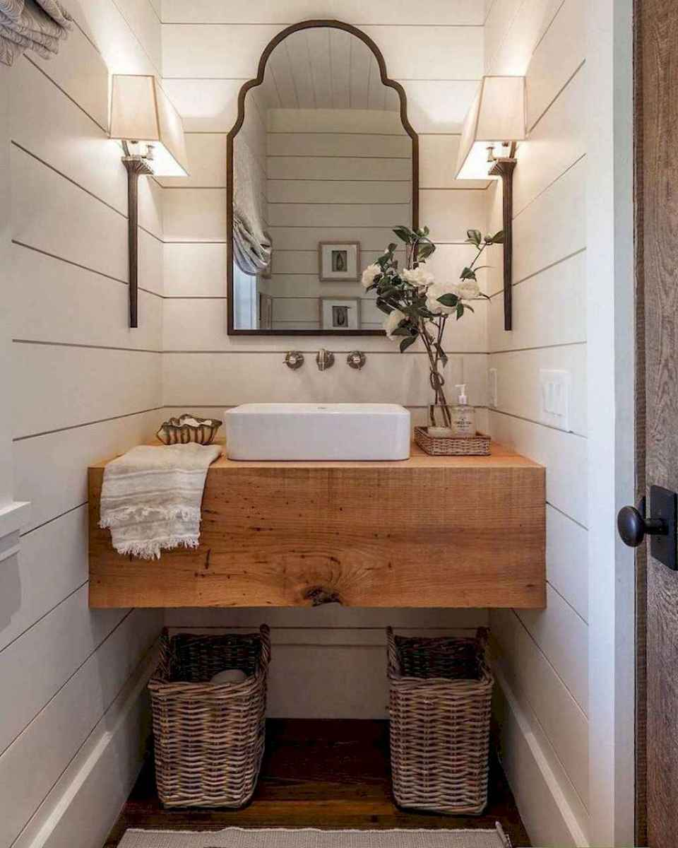 Rustic farmhouse master bathroom remodel ideas (55)