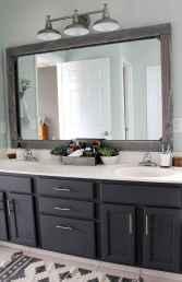 Rustic farmhouse master bathroom remodel ideas (57)