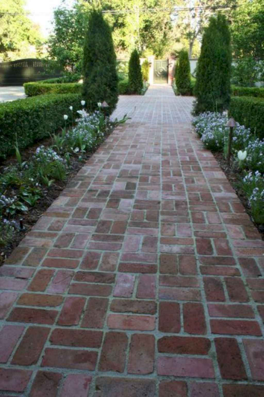 32 Creative Home Front Landscape Design Ideas: 32 Simple And Beautiful Front Yard Pathways Landscaping Ideas