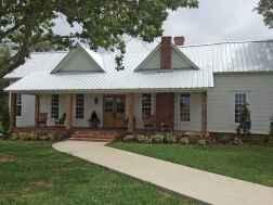 23 gorgeous farmhouse front porch decorating ideas