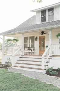 37 gorgeous farmhouse front porch decorating ideas