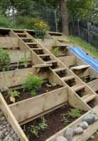 33 affordable backyard vegetable garden design ideas