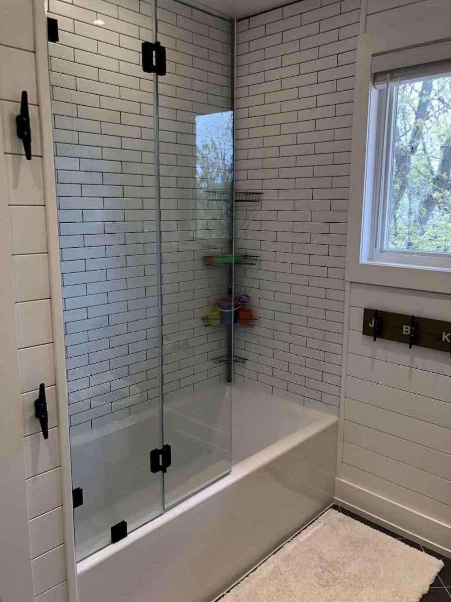 51 beautiful farmhouse bathroom remodel ideas