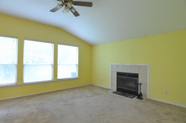 Before-Comanche Trail Living Room Staging