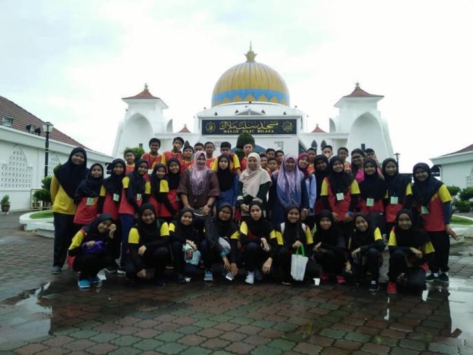 rombongan-sekolah-melaka-masjid-selat